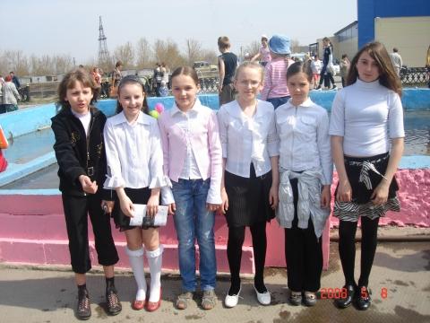 Еще совсем маленькие мои девочки - Елена Николаевна Ивашикина.