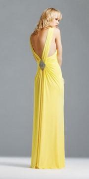Длинные платья в пол, безусловно, смотрятся шикарно, но не всегда удобны...