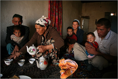 Чаепитие в кишлаке на границе Узбекистана и Туркмении.