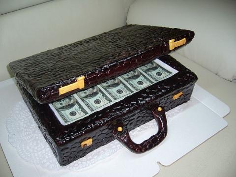 Так и я о том же, Алексей Александрович, торт - замечательное решение...