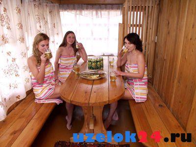 Девушки в бане.